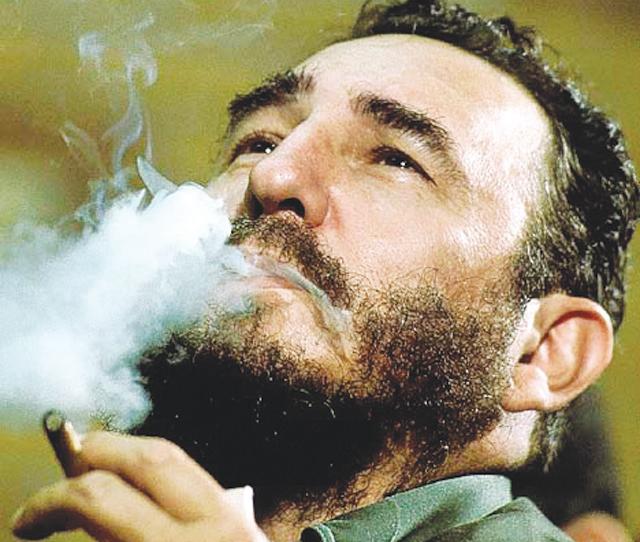 """Trúc Giang MN – """"Fidel Castro, tay tán gái chuyên nghiệp"""""""