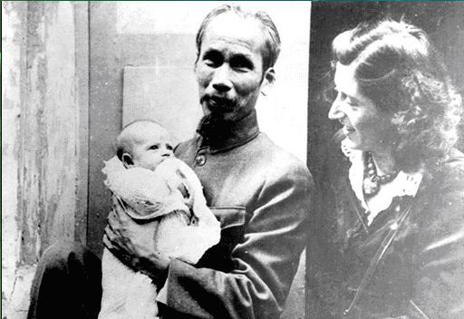 Trần Hồng Tâm – 45 năm giỗ Bác: Bác làm gì kệ Bác