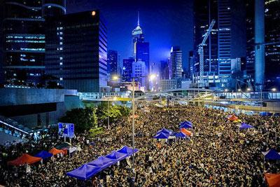 Lực lượng biểu tình tại Hongkong vẫn chiếm giữ trung tâm hành chánh đêm 05/10/2014. AFP photo