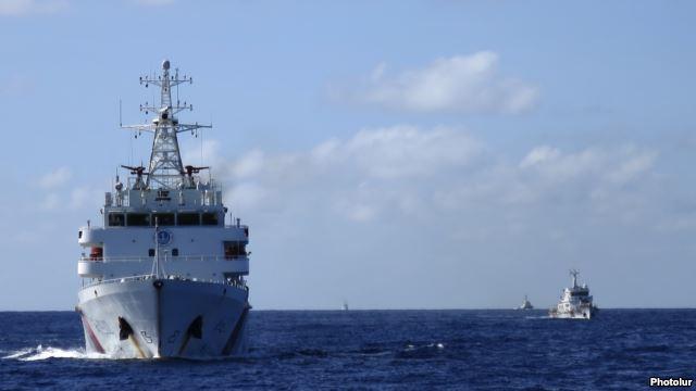 Các tàu hải giám của Trung Quốc vẫn tiếp tục tấn công tàu của ngư dân Việt Nam.