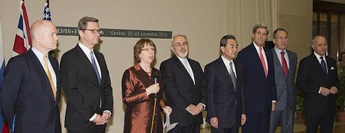 Từ trái sang phải.William Hague (Ngoại trưởng Anh)* Guido Westerwelle (Ngoại trưởng Đức) * Bà Catherine Ashton (Đại diện Liên Âu) * Javad Zarif (Ngoại trưởng Iran)* Wang Yi (Ngoại trưởng Trung Cộng) * John Kerry (Ngoại trưởng Mỹ)* Sergey Lavrov (Ngoại trưởng Nga)* Laurent Fabius (Ngoại trưởng Pháp)*