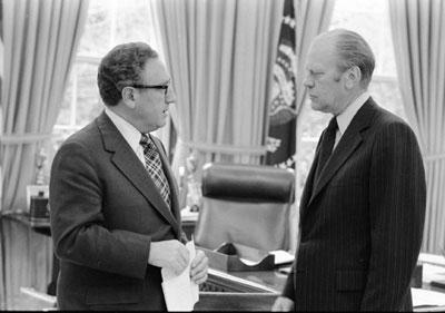 Ngoại Trưởng Henry Kissinger và Tổng Thống Gerald Ford.