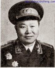 Thiếu tướng Lý Dật Dân (李逸民) Giám đốc Quân trường Bách Sắc tại biên giới Trung-Việt. Nguồn: Quân Ủy Trung ương CPC.