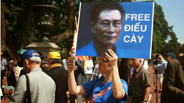 Nguyễn Nhơn: ĐIẾU CÀY ĐI MỸ – VUI HAY BUỒN?