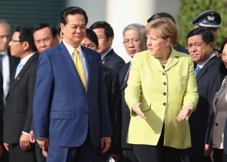 Âu Dương Thệ – Khi ông Thủ đi giải độc và vận động ngoại giao