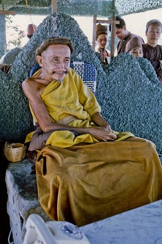 Hoàng Ngọc Giao – Ông Đạo Dừa Nguyễn Thành Nam
