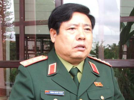 Nguyễn Thanh Giang – Buồn và lo vì có vị bộ trưởng quốc phòng quá dớ dẩn