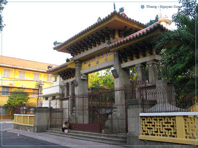 Chính quyền giúp xây dựng chùa Xá Lợi nằm ở đường Bà Huyện Thanh Quan, Sài Gòn.