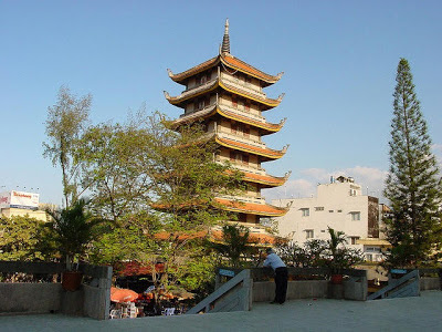 Giúp xây chùa Vĩnh-Nghiêm ở đường Công Lý