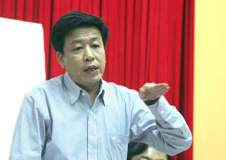 """""""Đường Trường Chinh chỉ… cong mềm mại!"""" – Phó Giám đốc Sở QHKT Hà Nội Dương Đức Tuấn."""