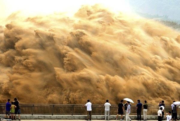 Trúc Giang MN – Trung Cộng Đấp Đập Ngăn Sông Chơi Cha Thiên Hạ