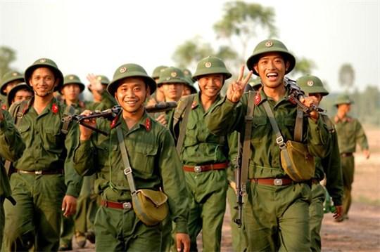 Phạm Trần – 70 Năm Quân Đội, Mấy Mươi Năm Sợ Tầu?