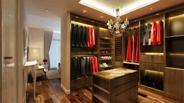 Phòng quần áo Vũ Chí Hùng thiết kế cho mẹ ruột từ ngân sách của Phó Thủ tướng Nguyễn Xuân Phúc