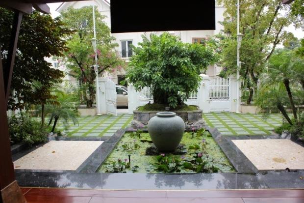 Một khoảnh sân của căn biệt thự 61,9 tỷ (chưa tính chi phí xây dựng) của Phùng Quang Hải