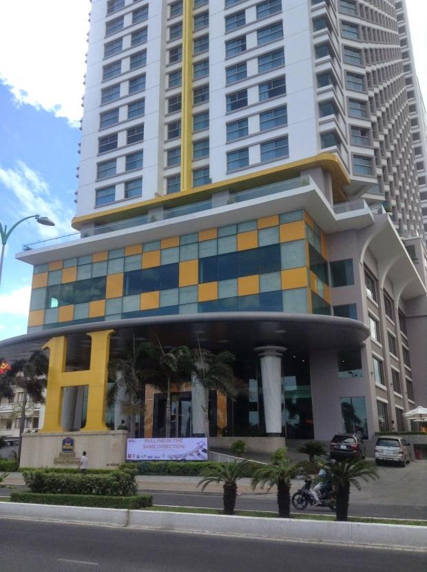 Khách sạn 5 sao Premier Havana Plaza tọa lạc tại số 38 Trần Phú – con đường vàng của thành phố biển Nha Trang