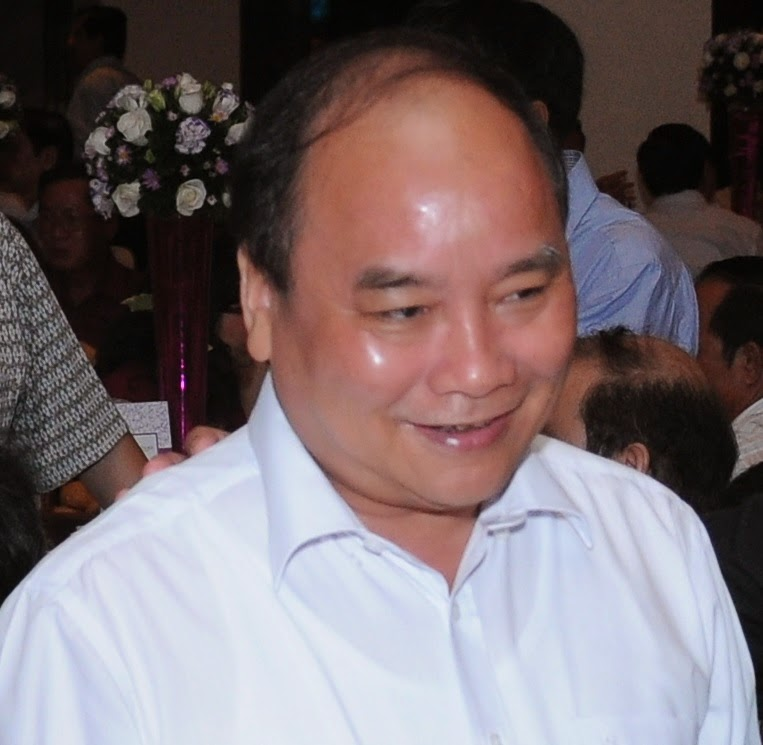 Kẻ mặt trơ trán bóng Nguyễn Xuân Phúc đã mượn tay Trung Nam Hải hạ độc ông Nguyễn Bá Thanh bằng chất phóng xạ
