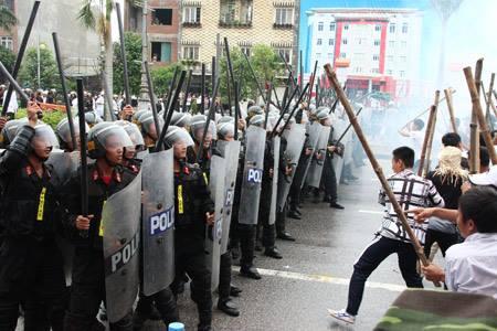 """CHUYỂN HÓA TOÀN TRỊ VC BẰNG ĐẤU TRANH """" PHI BẠO LỰC!"""""""