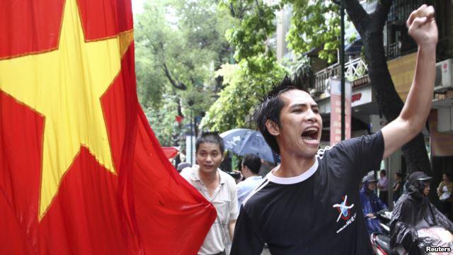 Ai là kẻ thù của Việt Nam?