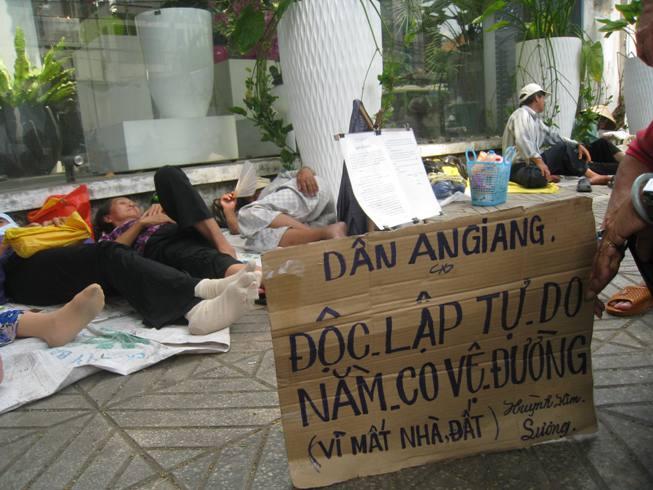 Chuyện lạ:   XHCN… hay Xã Hội luật rừng?