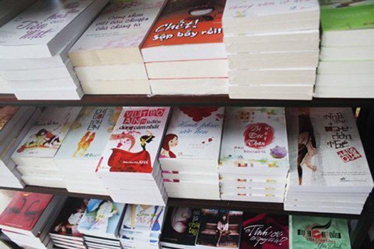 """Vì sao sách ngôn tình Trung Quốc """"sống khỏe"""" ở VN?"""