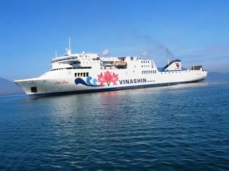 Tàu Hoa Sen của Vinashin ế khách, nợ lương nhân viên hàng tỷ đồng