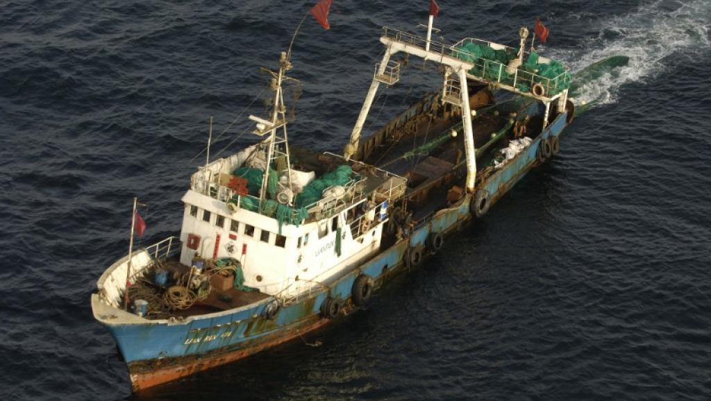 Trung Quốc Đánh Cá Lậu (bất hợp pháp) Tại Phi Châu