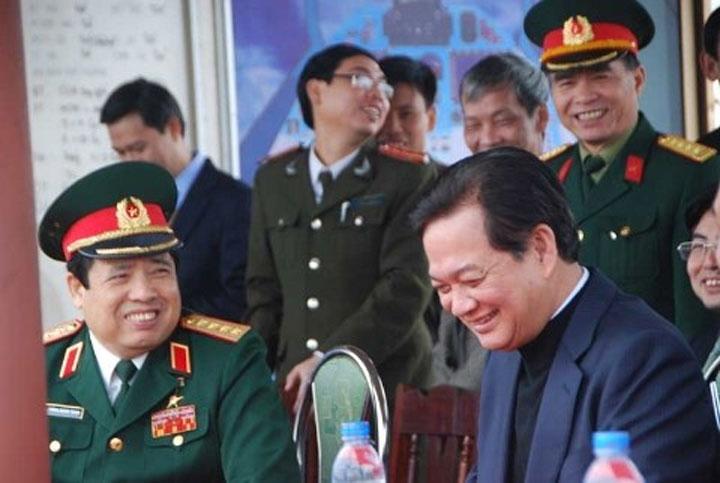 Phùng Quang Thanh trở về nhưng sóng chưa yên