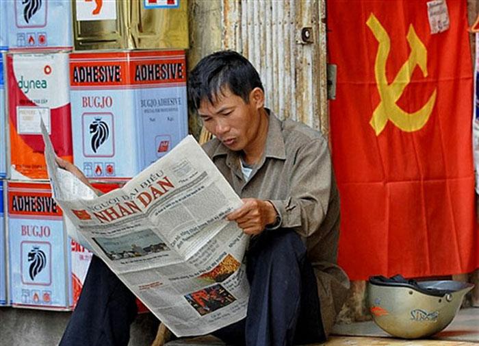Tại sao đảng sợ báo chí Lề Dân mà lúc ở rừng không sợ cọp
