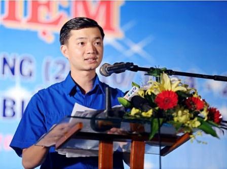 Nguyễn Minh Triết, 23 tuổi (con trai út của Nguyễn Tấn Dũng), quan TƯ đảng Bình Định.