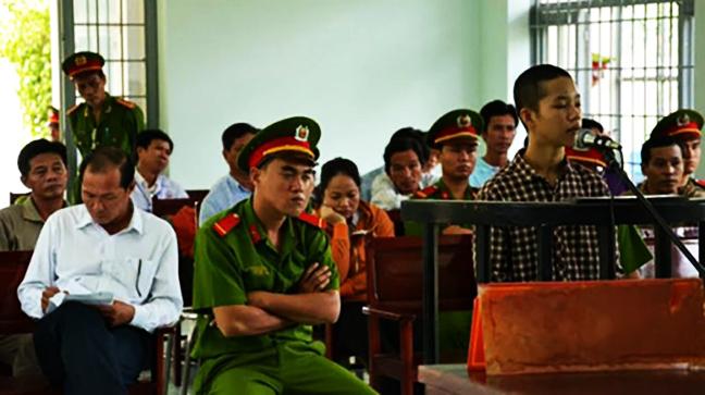 Thiếu Niên Nguyễn Mai Trung Tuấn Tại Tòa