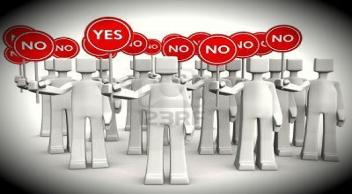 Trưng Cầu Dân Ý: Định bịt mắt ai?
