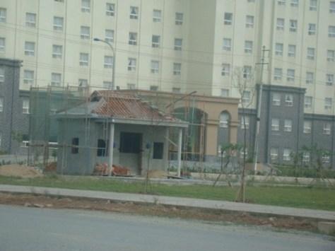 Miếu thờ mà FHS xây dựng trái phép tại Khu kinh tế Vũng Áng – Ảnh: Nguyên Dũng